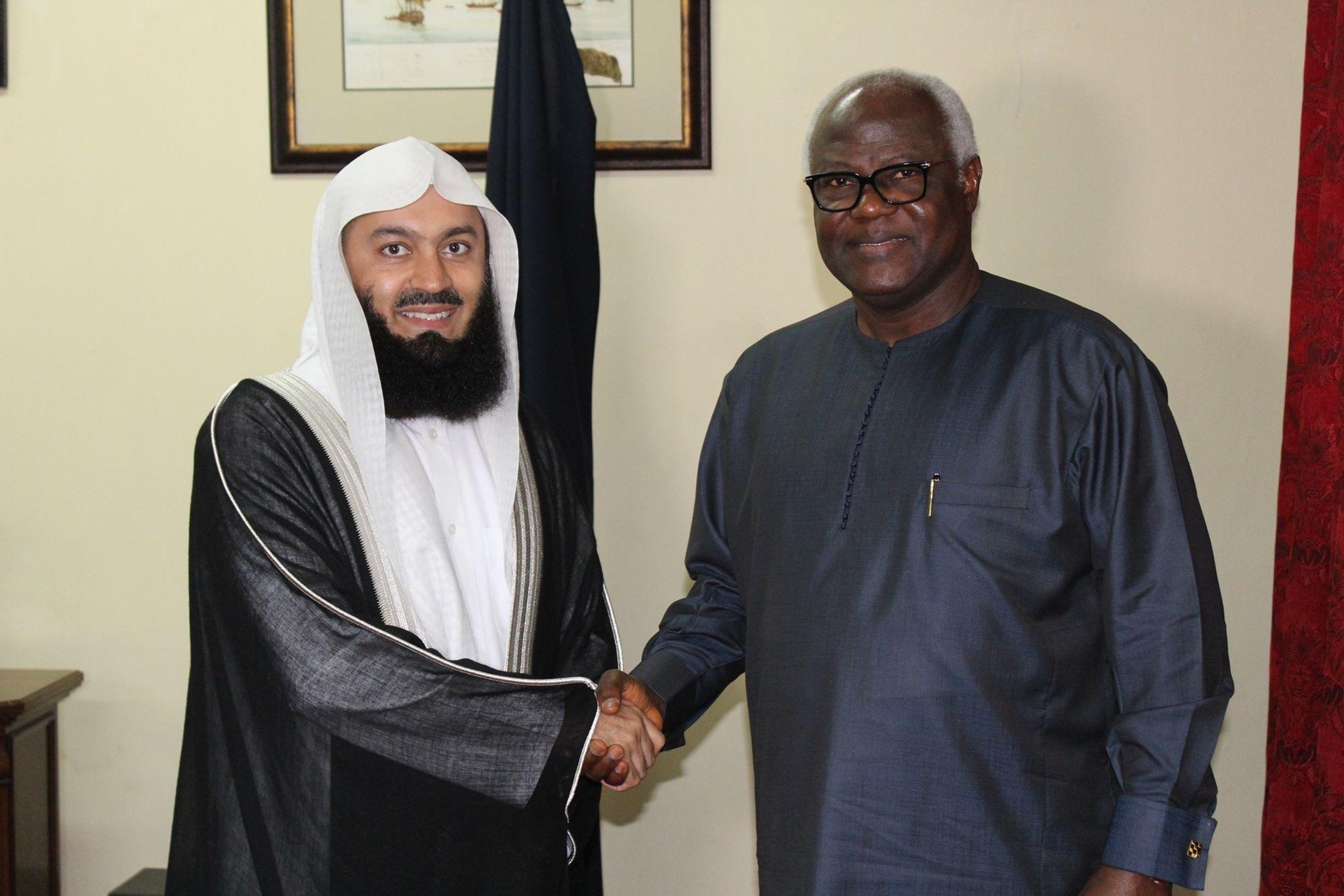 Biography mufti menk Sheikh Mufti